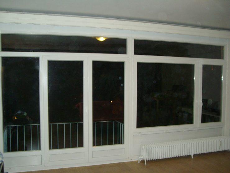 Ensemble PVC Kömmerling avec double porte-fenêtre, impostes et allèges posé par Europortes